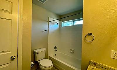 Bathroom, 711 Mello Oak, 2