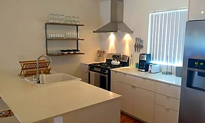 Kitchen, 2703 Bellevue Ave, 1