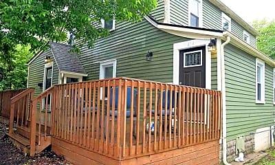 Patio / Deck, 414 S Mitchell St 414 416, 0