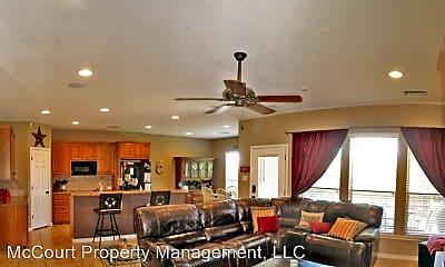 Living Room, 5513 Rio Grande Ave, 1