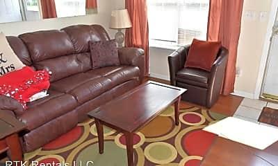Living Room, 503 Hunt Ave, 1
