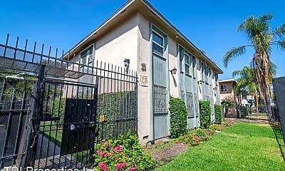 Building, 4108 Palmwood Dr, 1