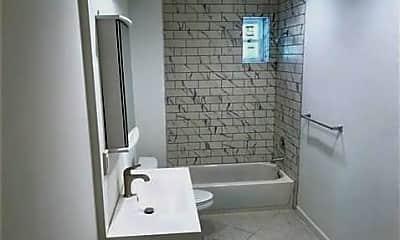 Bathroom, 1521 W Lombard St, 0