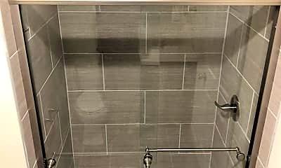 Bathroom, 619 S 3rd St, 2
