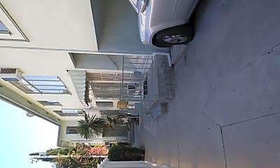 Building, 848 S Sherbourne Dr, 1