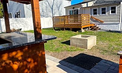 Patio / Deck, 3109 E Lisbon Ave, 1