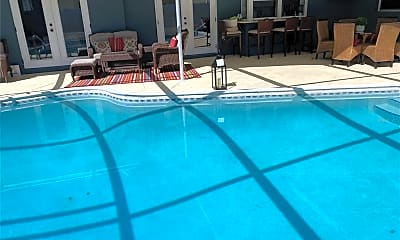 Pool, 1503 39th St W, 2