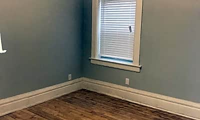 Bedroom, 2503 N Lincoln Ave, 1