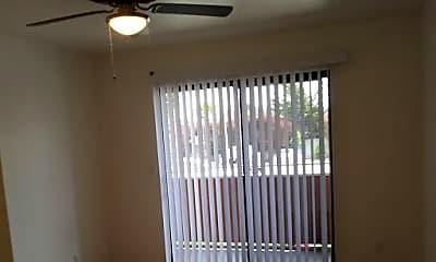 Living Room, 3270 Del Monte Blvd, 2