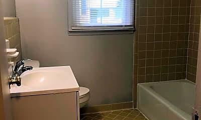 Bathroom, 135 Mellow Drive, Unit #10, 2
