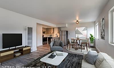 Living Room, 35750 Bettencourt St, 0