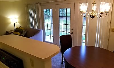 Dining Room, Birchwood Pointe Apartments, 2