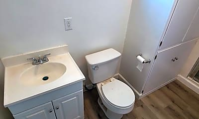 Bathroom, 25941 Narbonne Ave, 2