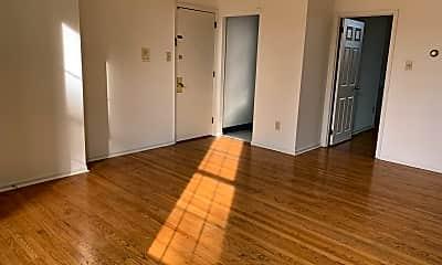 Living Room, 521 S 9th St, 2