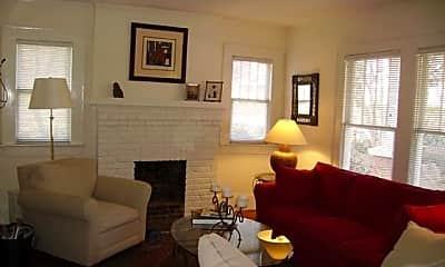 Living Room, 218 Circle Ave, 2