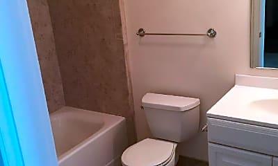 Bathroom, 47 Pond St, 1
