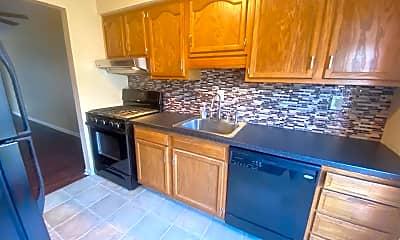 Kitchen, 502 College Park Dr, 1