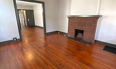Living Room, 1004 Fairwood Ave, 1