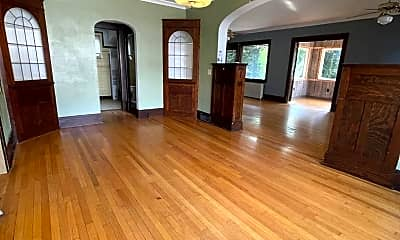 Living Room, 1003 8th St S, 1