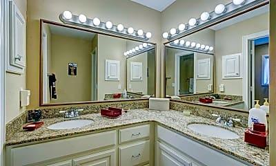 Bathroom, 6502 N Lenox Ave, 2