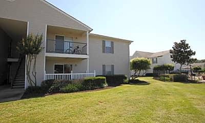 Building, Laurel Park Apartments, 2
