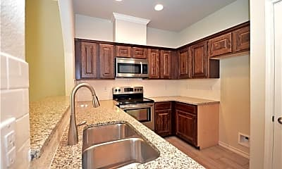 Kitchen, 915 Moore Ave, 1