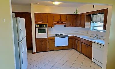 Kitchen, 10601 W Cermak Rd 1N, 1