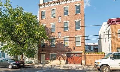 Building, 1221 Shackamaxon St, 2