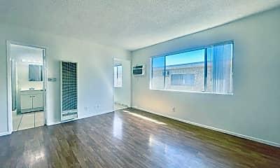 Living Room, 14157 Calvert St, 0