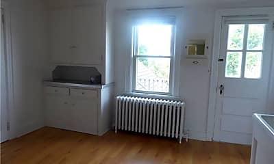 Living Room, 118 Prospect St, 2