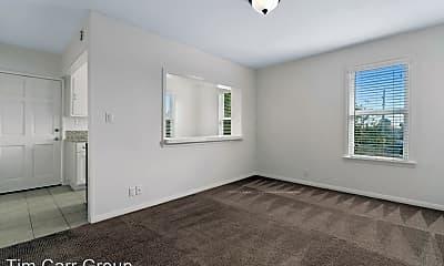 Bedroom, 131 Flower St, 1