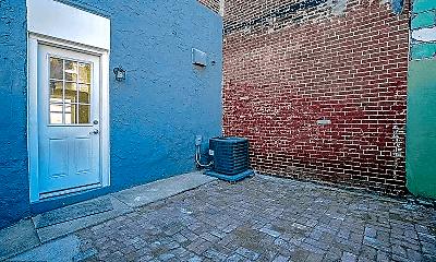 Patio / Deck, 2006 E York St, 2