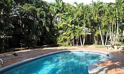 Pool, 400 SE 12th St 0, 0