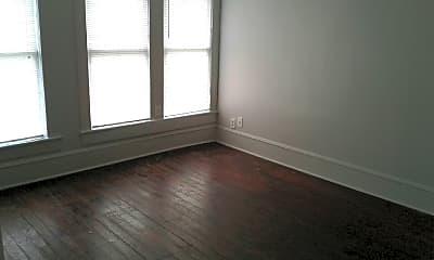 Living Room, 802 Hancock Ave, 1