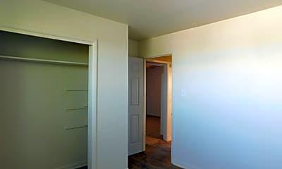 Bedroom, 305 N Independence St, 1