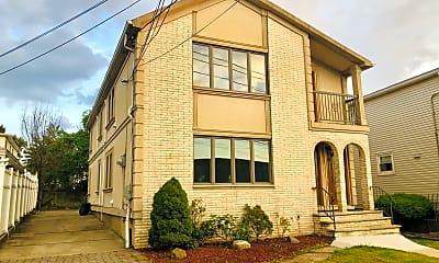 Building, 672 Gannon Ave S 1, 0