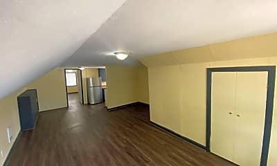 Living Room, 4975 SW Franklin Ave, 2