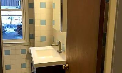 Bathroom, 72 School St, 2