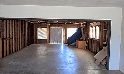 Living Room, 1505 Koch Ln, 2