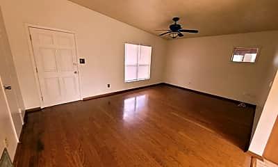 Living Room, 6024 Oakcrest Cir, 1