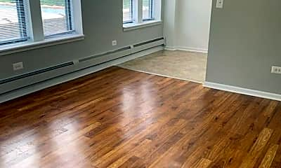 Living Room, 542 N Pine Ave, 1