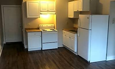 Kitchen, 917 Dana Ave, 1