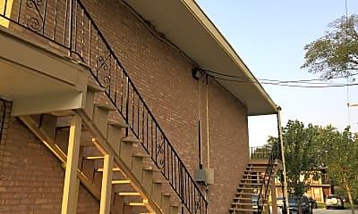 Knox Apartments, 2