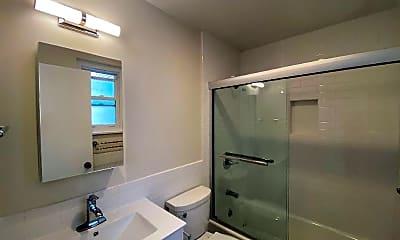 Bathroom, 3230 Balboa St, 2