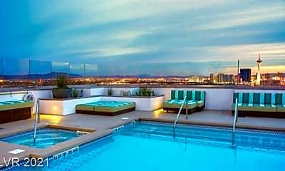 Pool, 150 Las Vegas Blvd N 813, 2