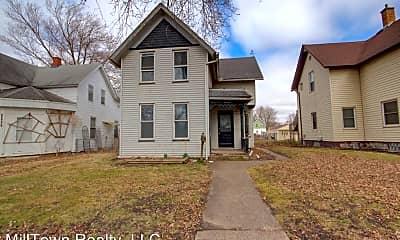 Building, 2224 W 1st St, 2