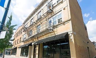 Building, 5940 N Broadway, 0