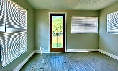 Living Room, 1731 Center St, 2