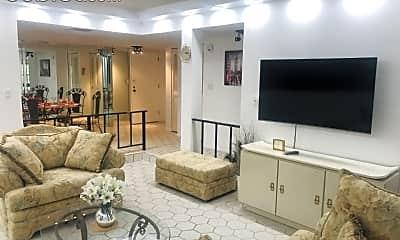 Living Room, 3750 Inverrary Dr, 0