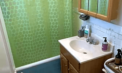Bathroom, 224 Kelton St, 1